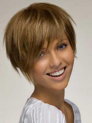 Смотреть видео женская стрижка на короткие волосы