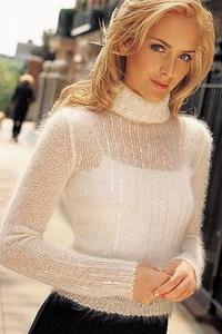 модный свитерок из тонкой пряжи