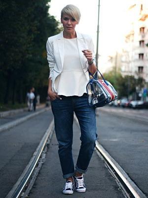 фото кроссовки и джинсы