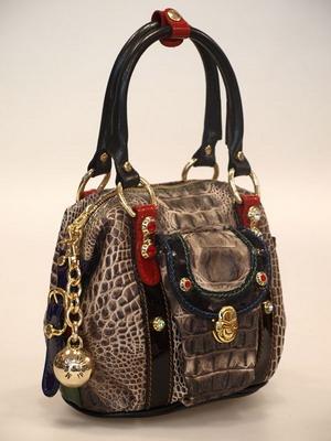 e1ee71e1a8fa Еще одной интересной особенностью, выделяющей модели от Marino Orlandi из  других женских сумок итальянских брендов, является оригинальный принт, ...