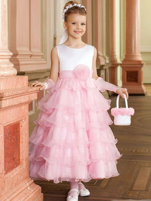 Нарядные стильные платья для девочек от 10 лет