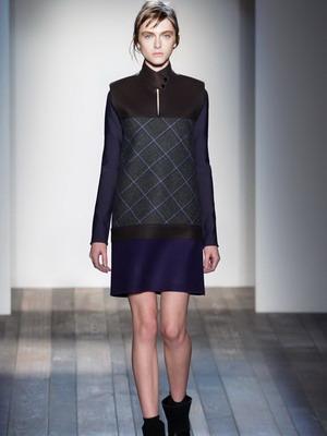 1a918992c86 Мода на платья в 2019 году невольно заставляет совершенствовать собственный  стиль. Заданная ведущими дизайнерами тенденция женственности раскрывается  ...
