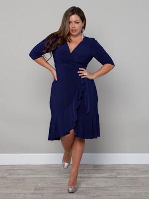490d3bc39b7 Платья для полных женщин весной 2019 года предстают во всем великолепии  романтического стиля