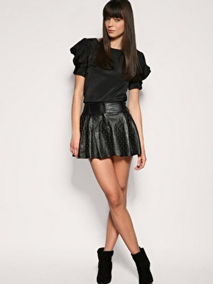 Расклешенная мини юбка