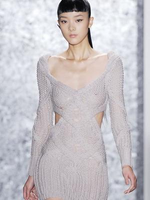 вязаные платья 2019 фото модных моделей и с чем носить весной