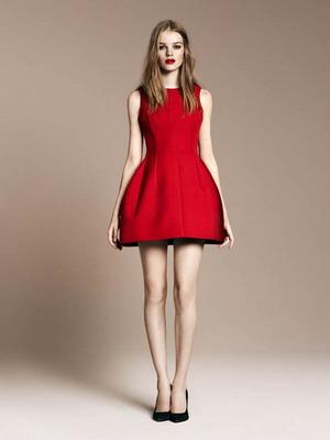 a3de6516a99 Модные платья красного цвета 2019 года