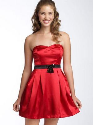 Платья короткие красный