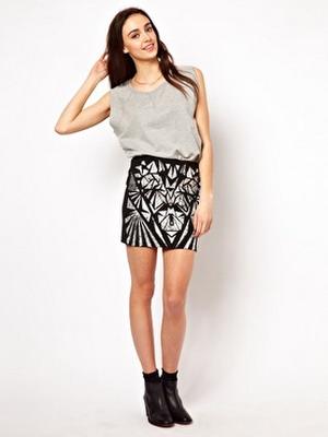 Модели в коротких юбках фото