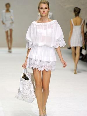Летние летящие платья из натуральных тканей расклешенное