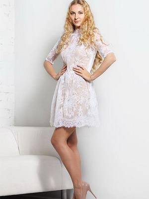 Белые платья короткие с кружевом