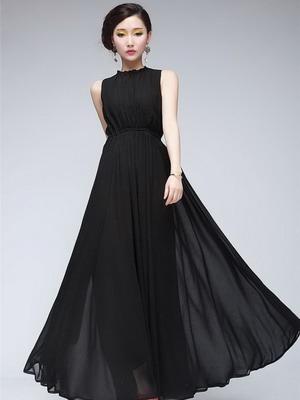 2d3fbd6d1244026 На волне тренда на женственность, загадочность и утонченность образов, вечерние  черные платья 2019 выдержаны в очень лаконичных и сексуальных силуэтах.