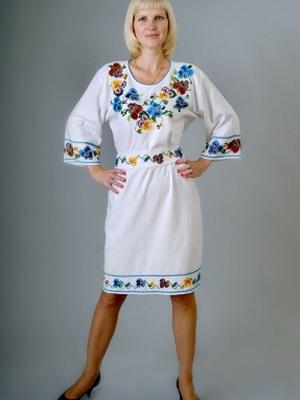 Фото модніх женских платьев с украинскими мотивами