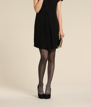 Черное платье в крапинку