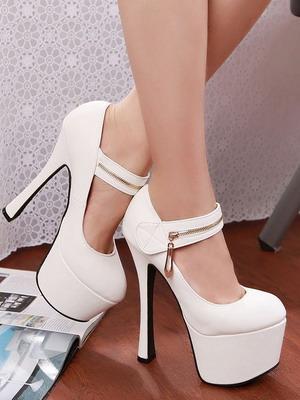 Модные белые туфли на каблуке в 2019 году
