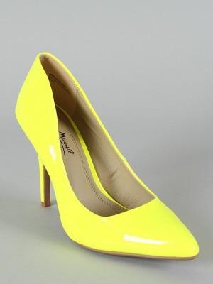 Обувь жёлтого цвета