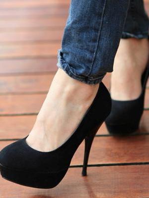 фото туфли на шпильке черные