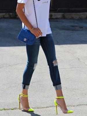 Красивые девушки в туфлях — img 12
