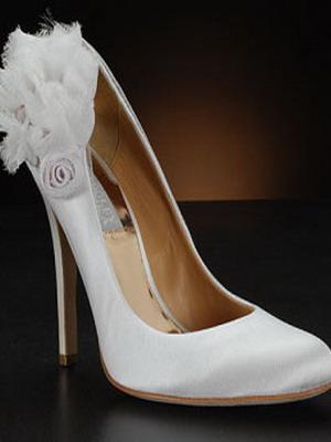 Свадебные туфли 2018 года: фото белых свадебных туфель