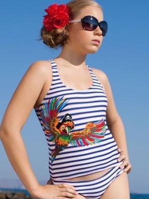 Юные девочки на пляже голые