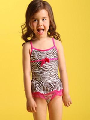 Фото очень юных девочек без одежды 4 фотография