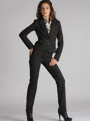 Тетки в деловых костюмах — photo 2