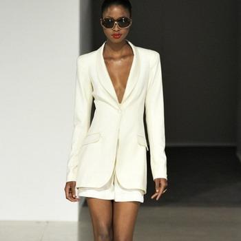 Деловой стиль одежды: женский деловой костюм