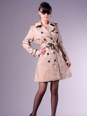 Плащ – обязательный атрибут образов в классическом стиле, он отлично  комбинируется как с юбками и платьями, так и с брюками. 8296603f61f