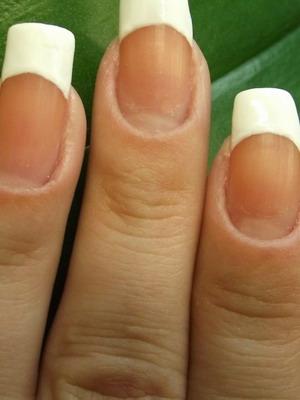 fransk manikyr på egna naglar