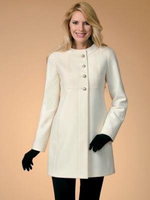 Создавая с помощью таких модные демисезонные пальто- 2019 образы  романтичных и утонченных модниц. cbc5157905ef8