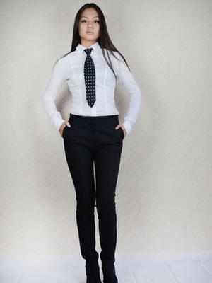 Когда и почему женщины начали носить галстуки 57