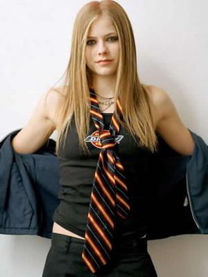 Когда и почему женщины начали носить галстуки 42