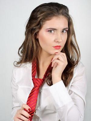 Когда и почему женщины начали носить галстуки 58
