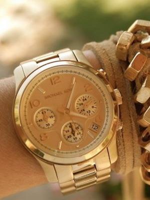 Возможно, главное отличие женщин-покупательниц от мужчин заключается в том,  что женщин куда больше интересуют сами часы, нежели логотип на циферблате и  ... da52ba90a41