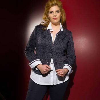 7a886e77461 Мода для невысоких женщин  как одеваться невысоким полным женщинам ...