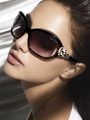 Как выбрать солнцезащитные очки к круглому лицу