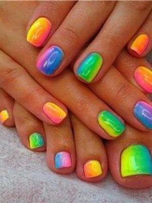 Сложно, но можно: необычные цветовые сочетания для весны и лета