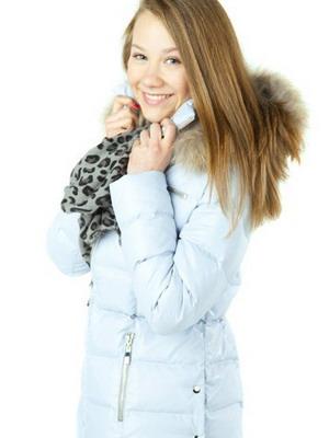 de955a21578 На модных и стильных девочках и мальчиках поздней осенью и зимой можно  будет увидеть пуховики с прострочкой и меховой отделкой.