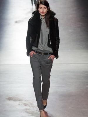 Стилісти такий варіант верхнього одягу рекомендують носити не просто  худеньким дівчатам 65499d5f2b60d