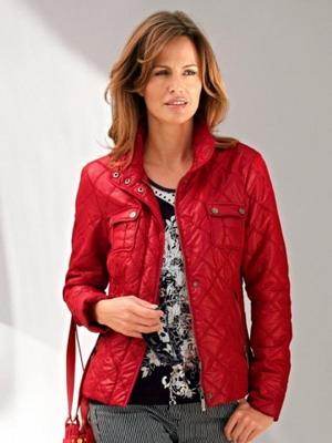 Модные стеганые куртки могут быть пошиты из самых разнообразных материалов 87756f769e386