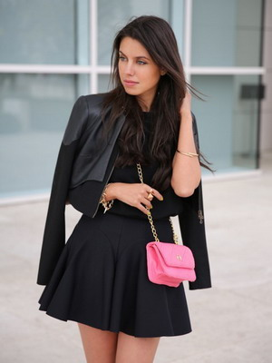 Кожаный жакет и юбка