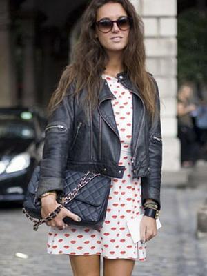 Лук кожаная куртка и юбка