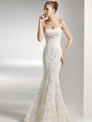 Женские свадебные платья и прически
