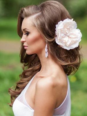 Фото причёски с цветами