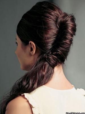 Прическа из заплетенных волос 56
