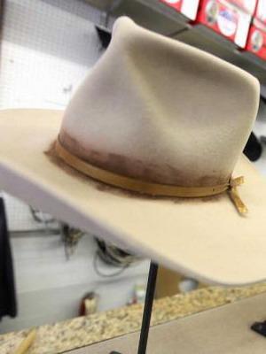 Чем почистить фетровую шляпу в домашних условиях 580
