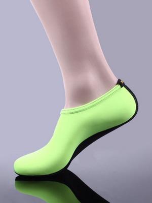 03d5490ed Для тех, кто не представляет свой отпуск без активных развлечений и спорта  необходимы особые виды обуви для пляжа и моря. Женские коллекции  представляют ...