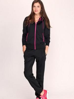 На смену спортивным брюкам в летнем сезоне дизайнеры предложили женщинам  изящные и стильные капри. Эти бренды, имеющие мировую известность, вниманию  модниц ... f24a2e29d57