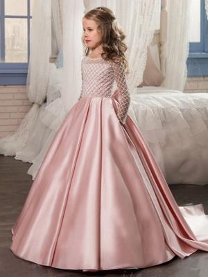 0e8cae3226d Платья на Новый год-2019 для девочек и фото модных фасонов