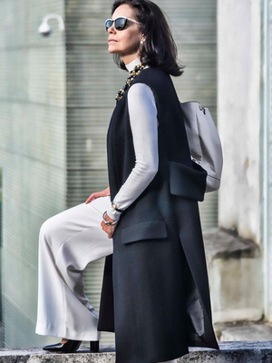 3847538ff89 Базовый осенний гардероб для женщины от 40 лет  верхняя одежда и обувь