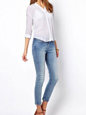 49feda7acb0 Какие блузки носить с джинсами  фото женских блуз
